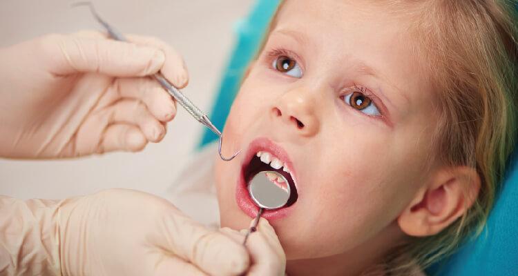 Nhổ răng cho trẻ tại Nha khoa quốc tế Westcoast