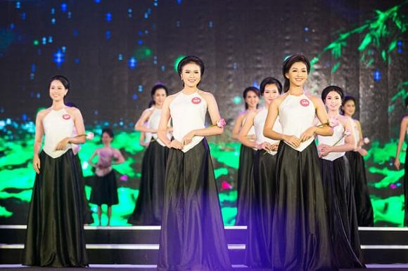 các thí sinh trong đêm chung khảo phía bắc hành trình hoa hậu việt nam 2018
