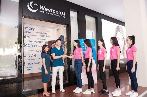Thí sinh Hoa hậu giao lưu cùng bác sĩ Andrew H.F Tsang – Tổng giám đốc Nha khoa Westcoast