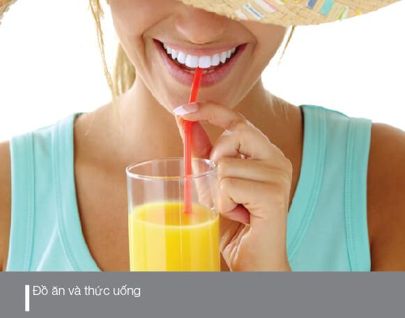 đồ ăn và thức uống cũng là nguyên nhân răng bị ố vàng